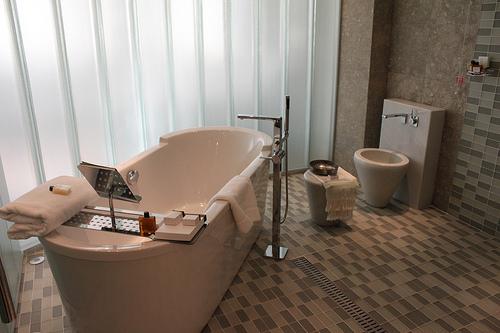 Red Hot Bathroom Design Tips for 2014.