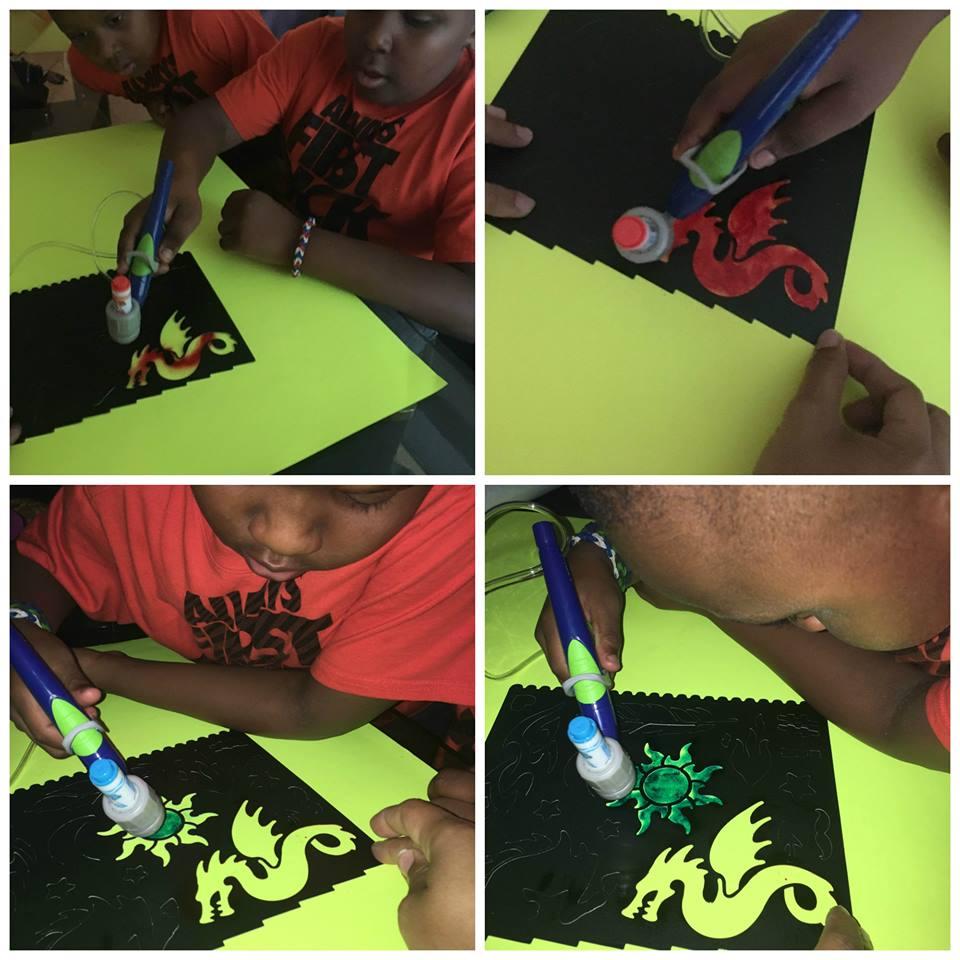Crayola Air Marker Sprayer, create something colorful this season !