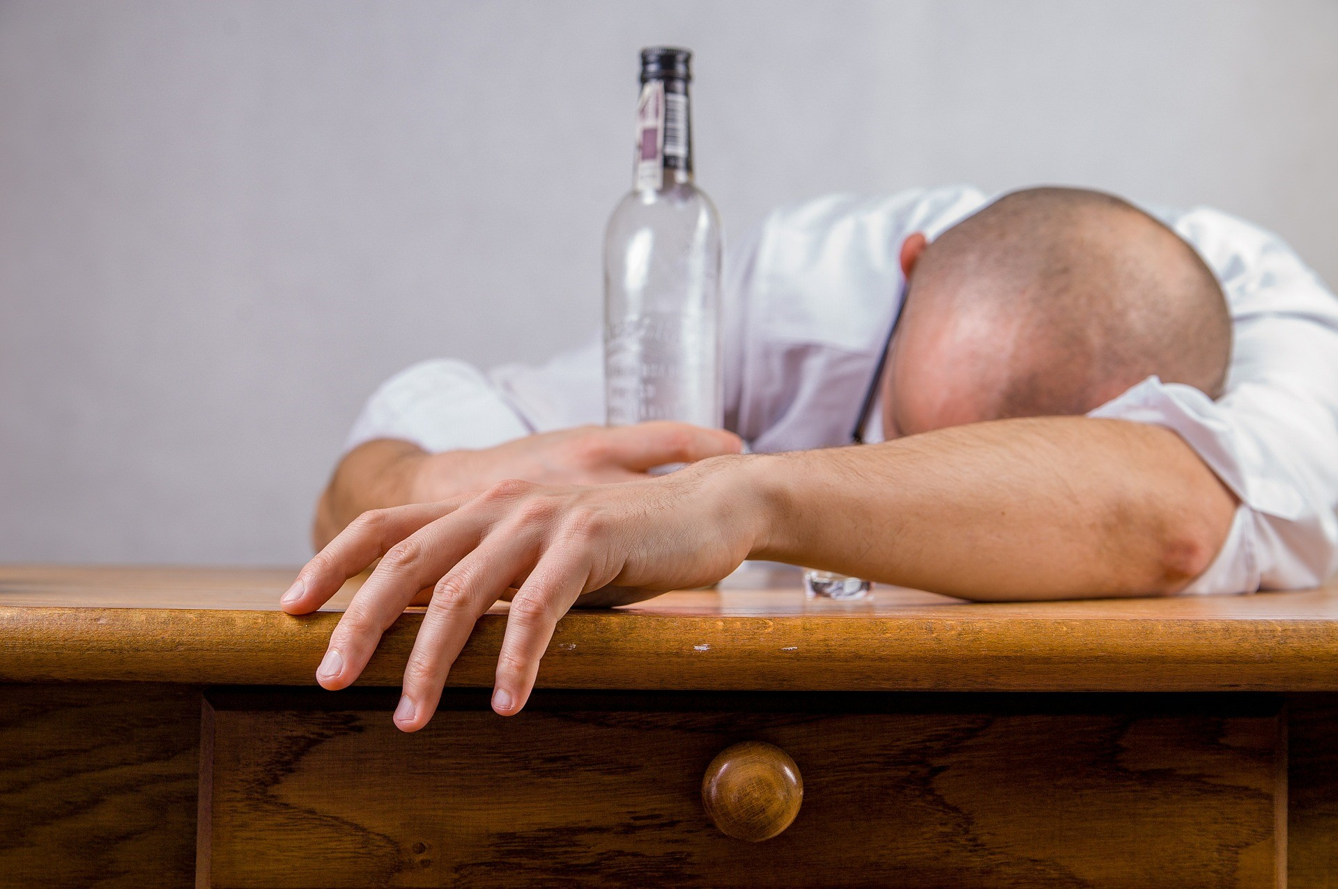 6 Surprisingly Easy Ways to Prevent Hangovers.