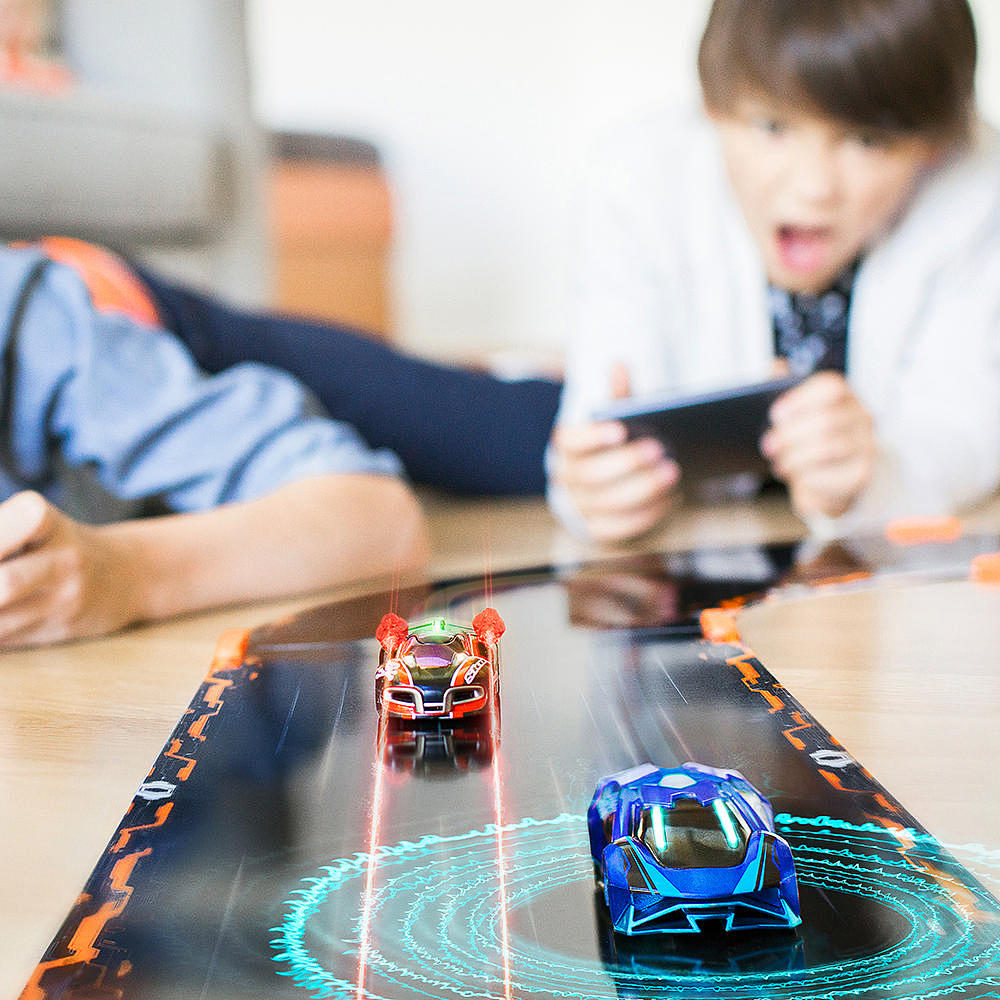 2016 Holiday Gift Guide Anki OVERDRIVE Starter Kit, the world's most intelligent battle racing system!