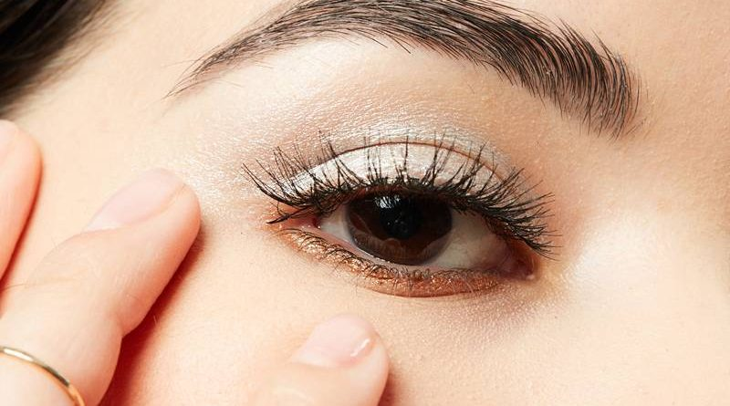 Lash Extensions Give Women Hope