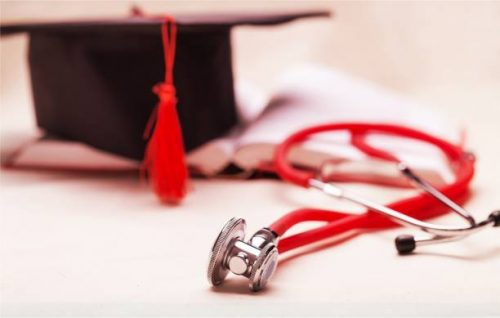 6 Things to Know Before You Consider a Degree in Healthcare Administration